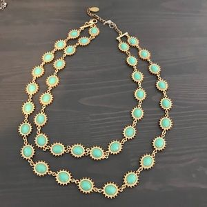 Turquoise double layered necklace.